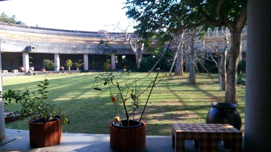 The tropical dream center corridor