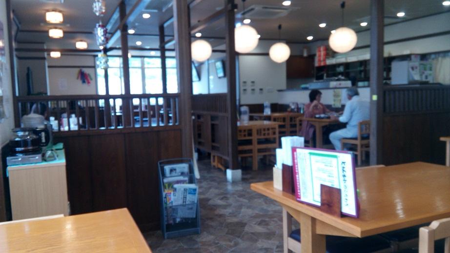 そば処とぅんち小の店内写真