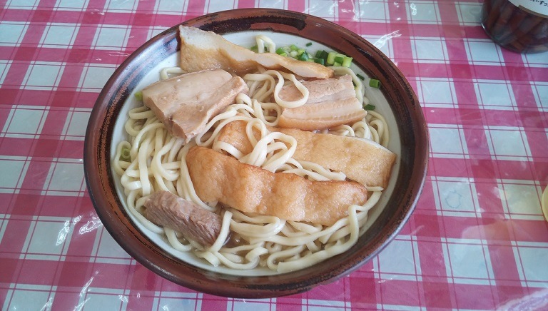 Meat and Kamaboko are hidden beneath Miyako soba