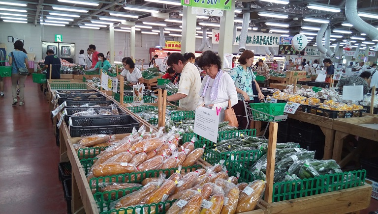 Iside photo of Umanchu-ichiba Market