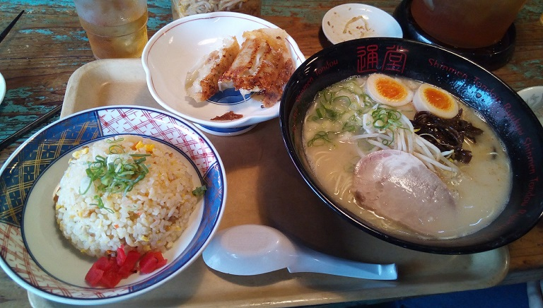 Tonkotsu Ramen (man taste), dumplings and fried rice