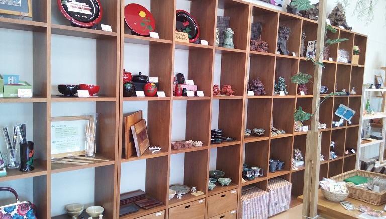 Handmade crafts full of personality in Thigumakan 2