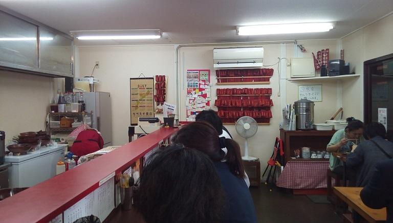 鶏寅の店内写真