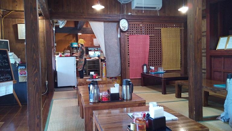 The inside of Yagiya 1