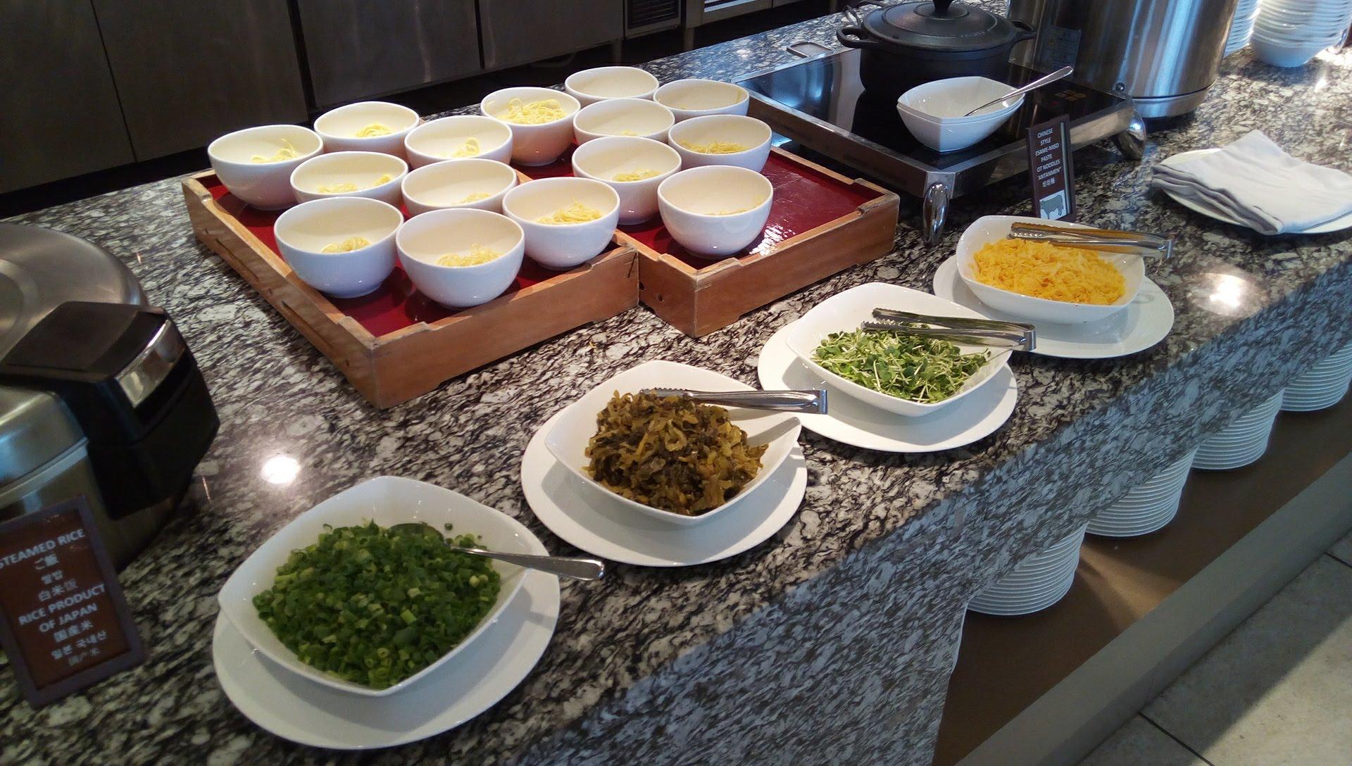 SURIYUNでの食べ放題の料理4