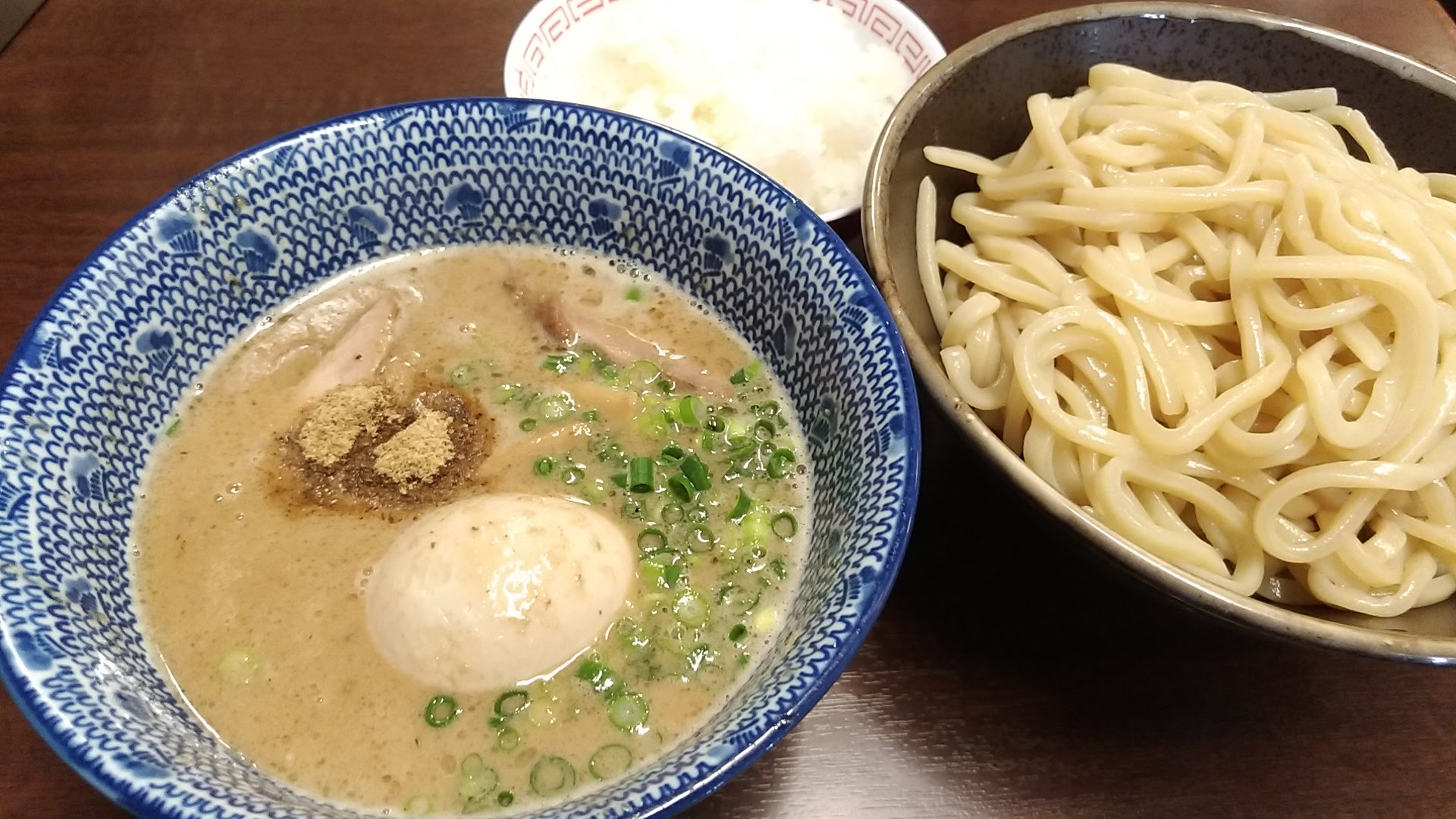 Rich pig bone fish third Tsukemen