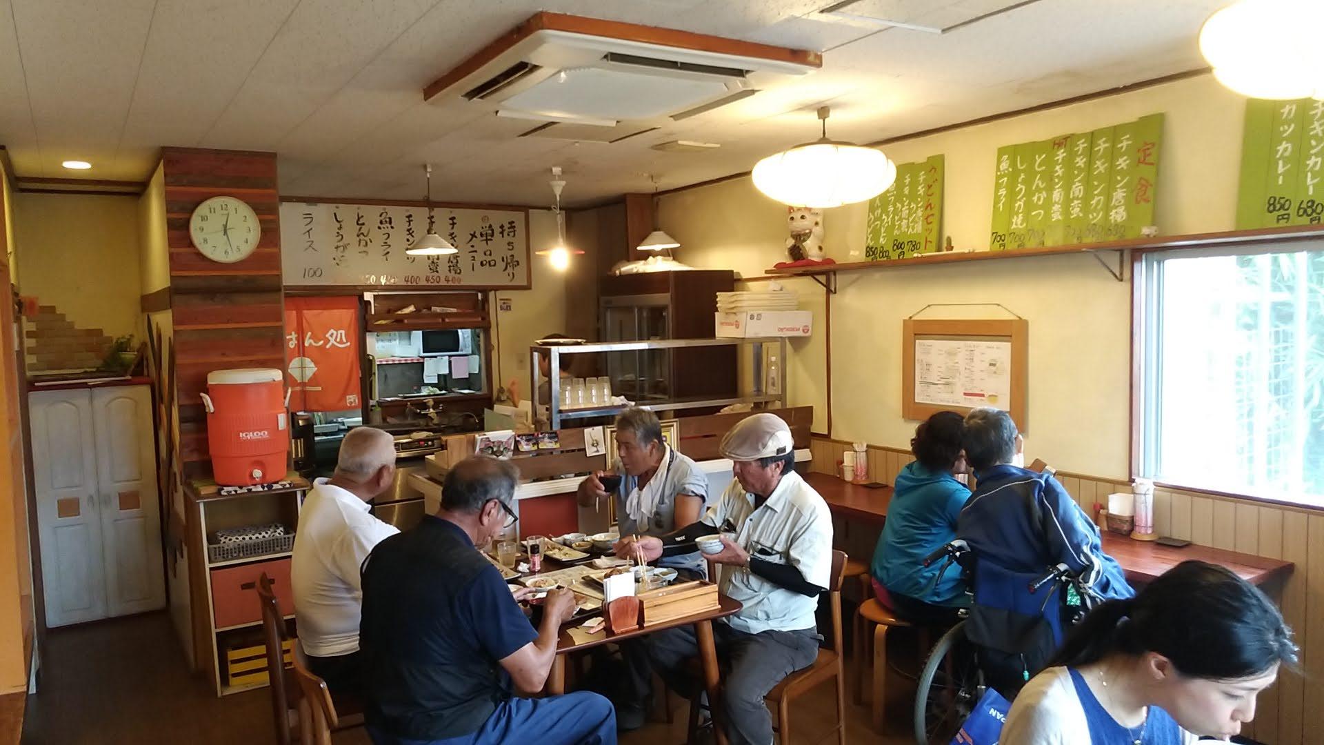 The inside of the restaurant of Zamami Shokudou