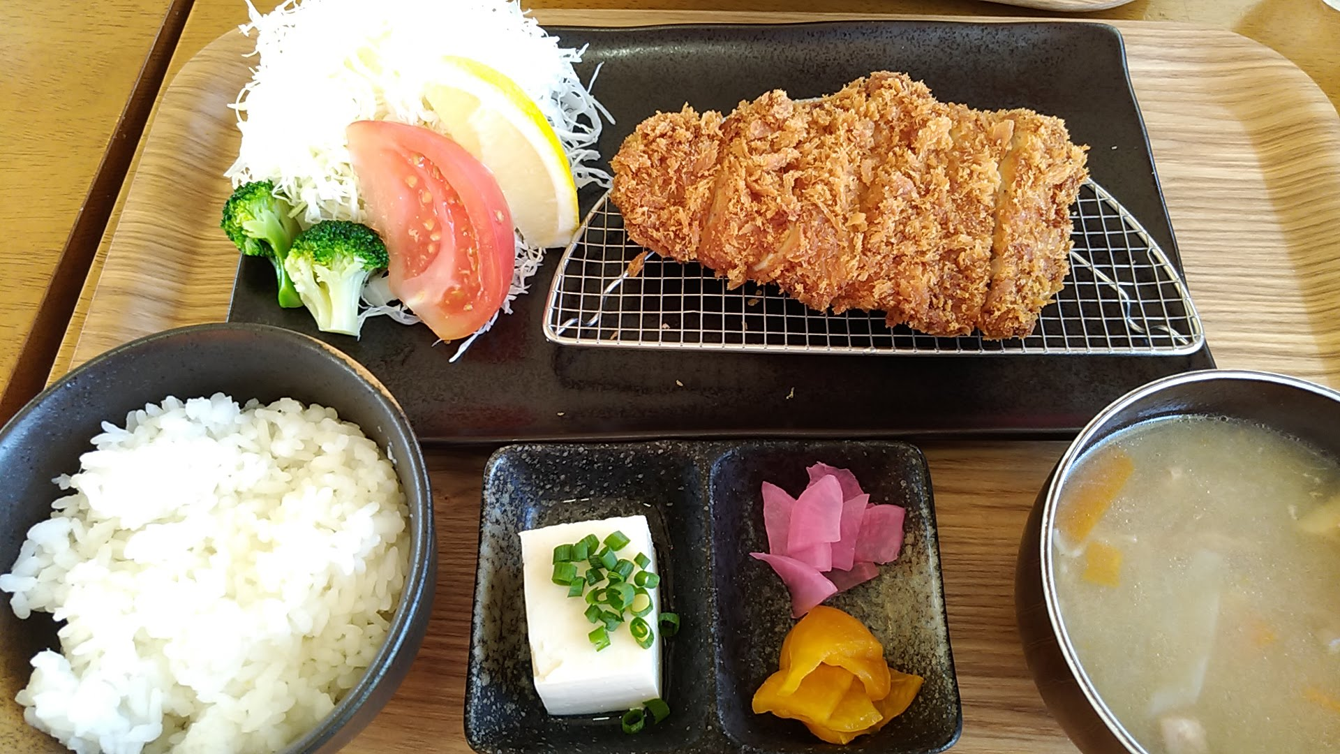 Benibuta pork cutlet set