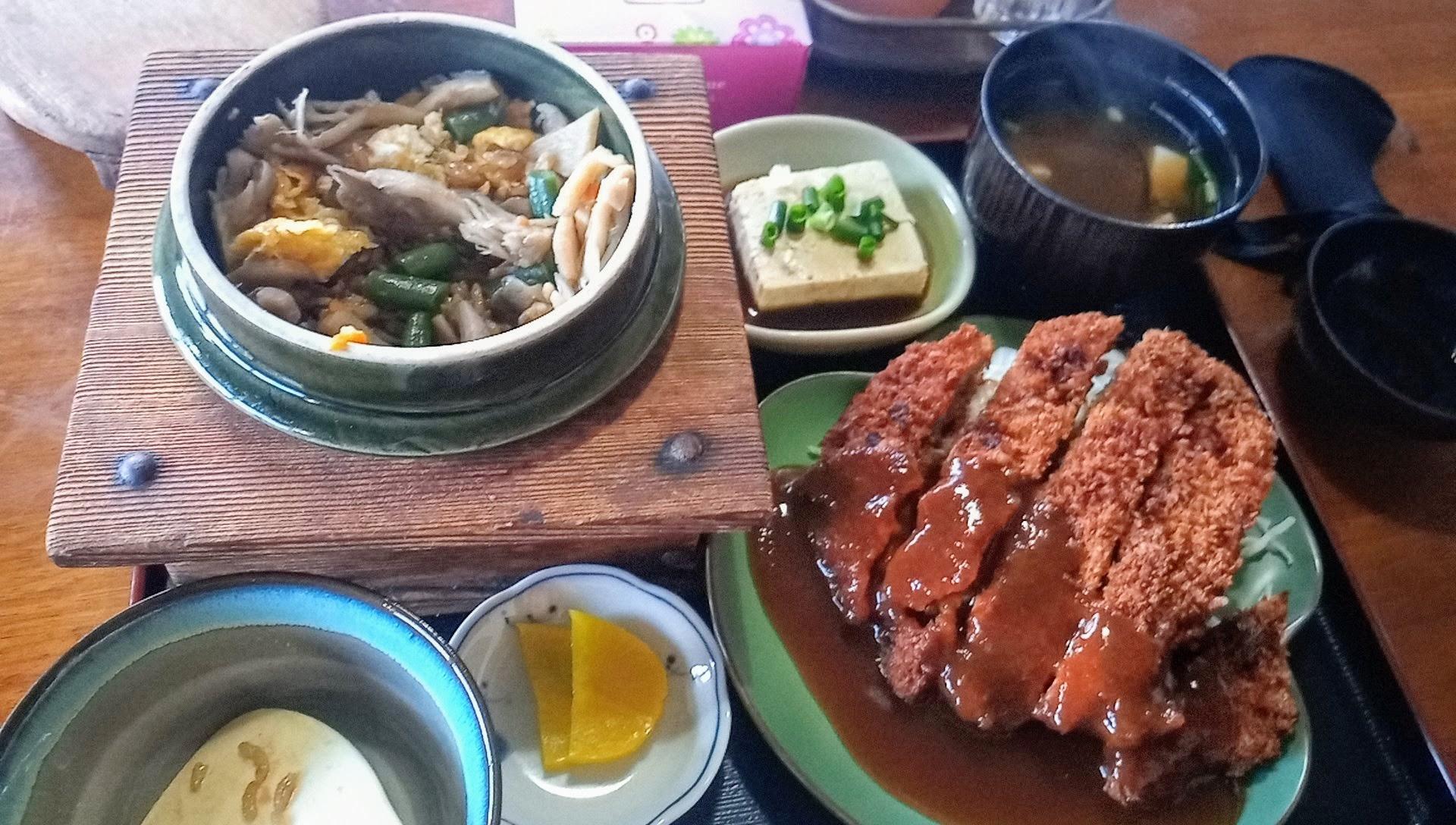 トンカツと釜飯定食